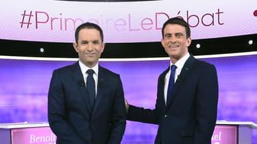 Benoît Hamon et Manuel Valls lors du débat de la primaire à gauche, le mercredi 25 janvier 2017