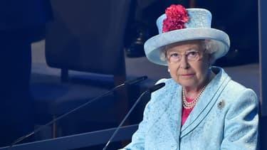 Elizabeth II prononce un discours à Malte en 2015