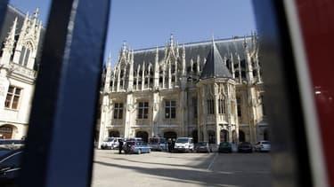 Une enquête a été ouverte pour discrimination après les propos de la responsable du service adoption de Seine-Maritime - palais de Justice de Rouen