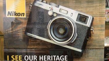 Comment une agence de publicité a pu commettre une telle erreur? Nikon ne l'explique pas.