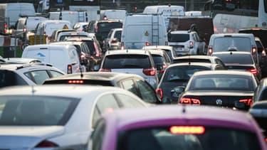L'an dernier, le prix moyen d'une voiture neuve était de 25.828 euros, selon l'étude annuelle du magazine L'Argus. Il y a 15 ans, selon la même étude sur la voiture de 2001, il était de 17.067 euros (valeur faciale).