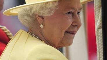 La durée du règne de la reine Elisabeth II a dépassé jeudi celui de George III pour devenir le deuxième plus long du Royaume-Uni en plus de mille ans d'histoire. Seule la reine Victoria a passé plus de temps qu'elle sur le trône de Grande-Bretagne. Agée d
