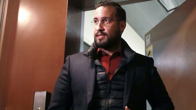 Alexandre Benalla sortant de détention provisoire le 26 février 2019.