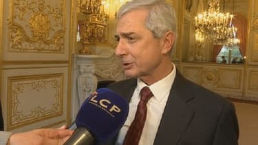 """Le président de l'Assemblée nationale, Claude Bartolone, ne voulait pas """"partager une coupe de champagne"""" avec le maire FN Steeve Briois."""