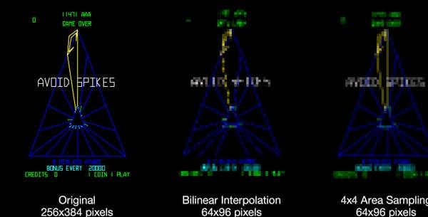 """De gauche à droite, le rendu """"normal"""" d'un jeu sur les écrans d'antan et celui des jeux adaptés à la petite dalle de la borne, avant d'être modifié par un petit logiciel."""