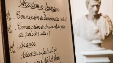 Un panneau indiquant les réunions hebdomadaires de l'Académie française. (Photo d'illustration)