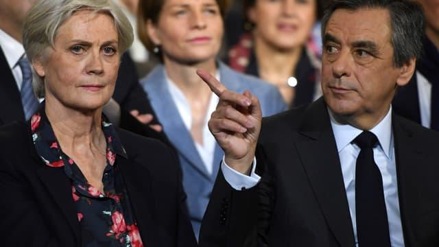 Penelope et François Fillon lors du meeting du candidat LR à la présidentielle, dimanche 29 janvier