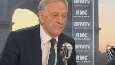 Pierre de Saintignon, tête de liste PS en Nord-Pas-de-Calais-Picardie, sur le plateau de BFMTV-RMC, lundi 19 octobre 2015.