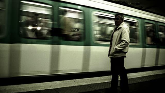 Trois personnes ont été blessées vendredi matin en gare du Val-de-Fontenay après le suicide d'un homme.