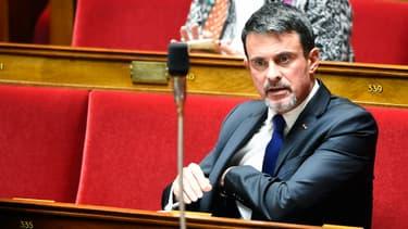 Manuel Valls lors des questions au gouvernement à l'Assemblée nationale, le 10 octobre 2017