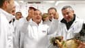 Lors d'un déplacement au marché international de Rungis, près de Paris, François Hollande a appelé jeudi à la mobilisation sur le front de l'emploi, avant la publication des chiffres du chômage de novembre qui devraient vraisemblablement montrer une 19e h