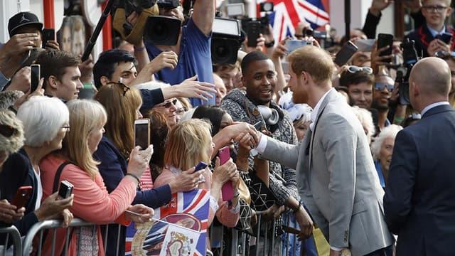 Un dernier bain de foule avant le mariage du prince Harry, le 18 mai 2018.