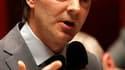 Selon le ministre du Budget François Baroin, le gouvernement ne touchera pas au Revenu de solidarité active (RSA) dans le cadre de la réduction des dépenses de fonctionnement et d'intervention de l'Etat. /Photo prise le 4 mai 2010/REUTERS/Charles Platiau
