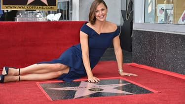 Jennifer Garner et son étoile sur le Hollywood Walk of fame, le 20 août 2018.
