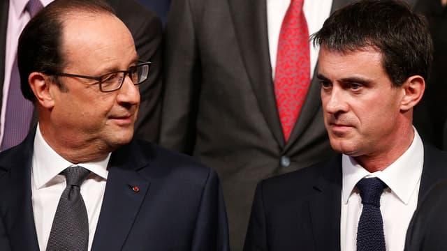 François Hollande et Manuel Valls ont demandé aux ministres du gouvernement de rester joignables durant les fêtes