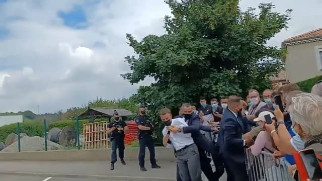 Macron giflé: deux hommes de 28 ans interpellés
