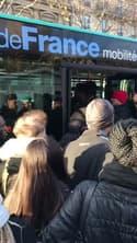 Difficile de monter dans le bus à Châtelet (Paris) - Témoins BFMTV