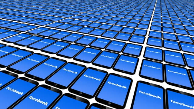 L'une des premières applications à laquelle pense Facebook est de créer sa propre cryptomonnaie pour permettre à ses utilisateurs de réaliser des transferts d'argent.