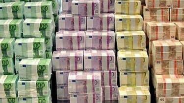L'euro se renforce face au dollar