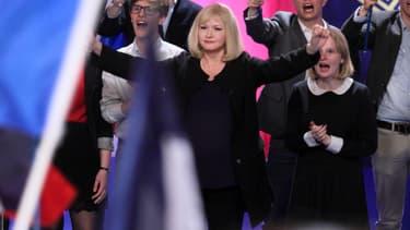 """""""Chez nous"""" sortira le 22 février avec Catherine Jacob qui joue une femme politique inspirée par Marine Le Pen"""