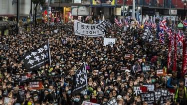 Les dizaines de milliers de manifestants dans les rues de Hong Kong en ce 1er janvier 2020.