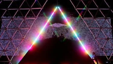Les Daft Punk lors de l'un de leurs concerts à Las Vegas, en 2007