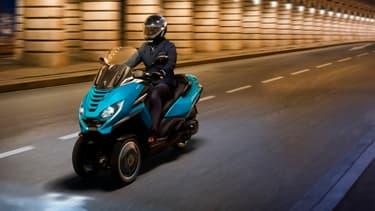 Le Metropolis RS Concept préfigure l'arrivée d'une nouvelle génération de scooter Peugeot ultra technologique