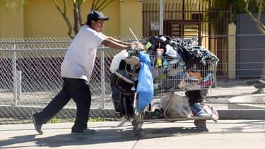 Un Américain sur 7 vit dans la pauvreté.