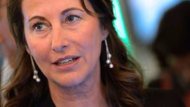 """Ségolène Royal estime être en droit """"de mettre des idées sur la table"""""""