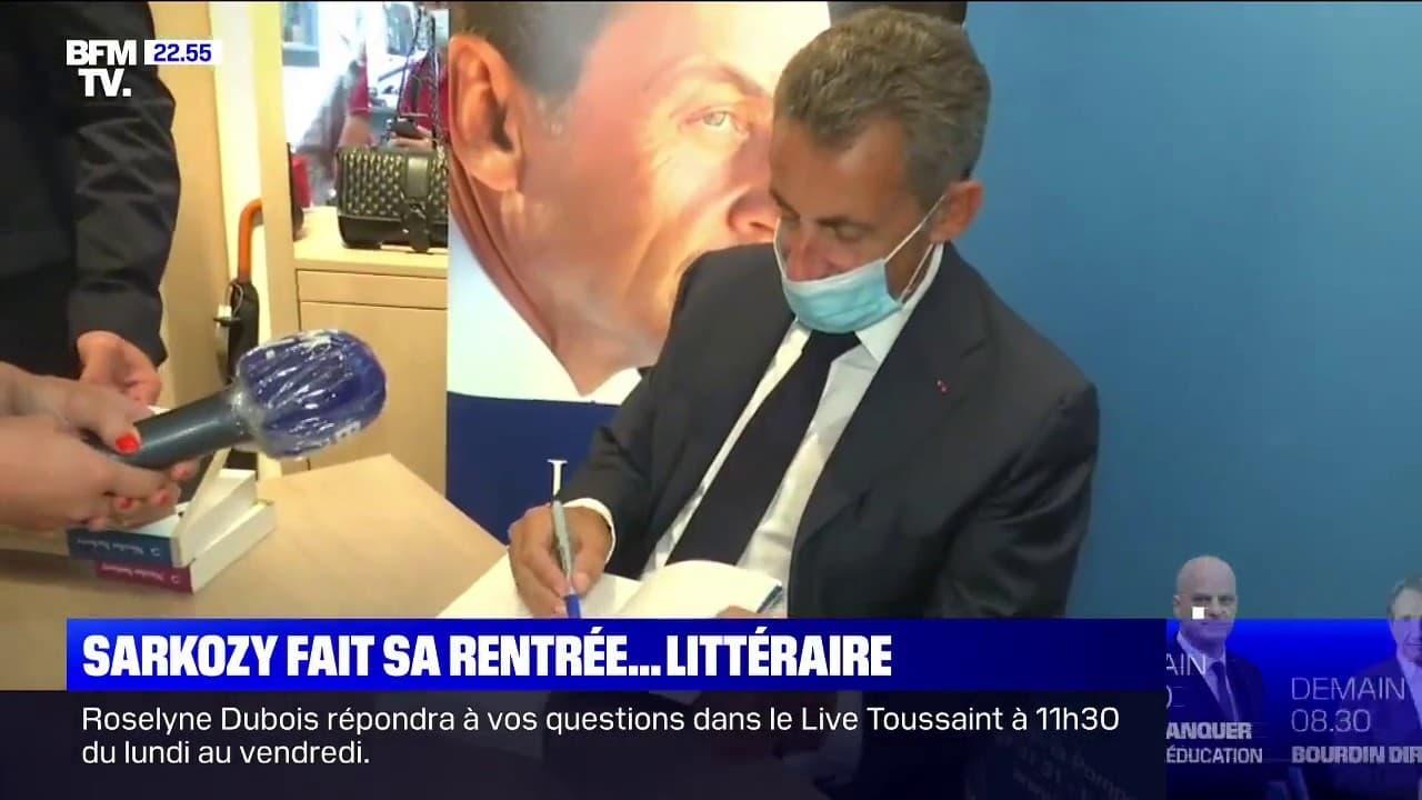 Nicolas Sarkozy Dedicace Son Nouveau Livre A L Equipe Du 22h Max