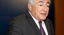 """Dominique Strauss-Kahn, candidat socialiste potentiel à la présidentielle française de 2012, a déclaré samedi que le Fonds monétaire international (FMI) l'occupait à """"plein temps"""". /Photo prise le 19 février 2011/REUTERS/François Mori/Pool"""