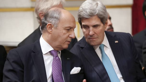 Laurent Fabius et John Kerry le 5 mars 2014 à l'Elysée.
