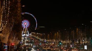 Les Champs-Elysées illuminés, en novembre 2016.