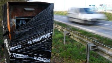 """""""A peu près 75% du parc de radars a été soit détruit, soit détérioré, soit attaqué, soit neutralisé"""", a expliqué ce vendredi sur France 2 Christophe Castaner."""