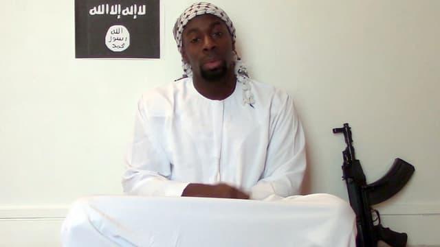 Amédy Coulibaly sur une vidéo postée sur Internet.