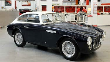 Une Ferrari bleue n'est pas une hérésie, tout dépend de l'époque.