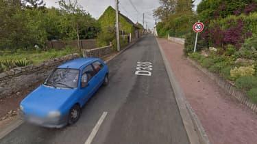 L'entrée de la zone 30 de la ville de Charentilly (Indre-et-Loire).