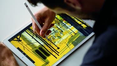 L'alliance avec Apple prévoit que Deloitte mette en place 5000 conseillers stratégiques, chargés d'aider les entreprises à modifier leurs pratiques pour tirer profit des fonctions de l'iPhone, de l'iPad