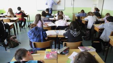 Le professeur qui a diffusé dans sa classe de 6e le film d'horreur Saw, a été suspendu à titre conservatoire.