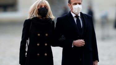 Le président Emmanuel Macron et son épouse Brigitte le 26 novembre 2020 à Paris