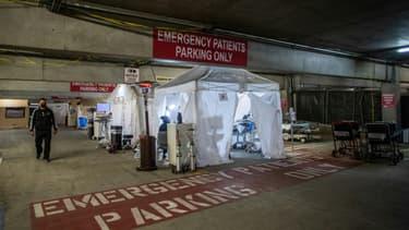 Les Urgences temporaires, installées sur un parking de l'hôpital de Tarzana, en Californie, le 3 janvier 2021. (Photo d'illustration)