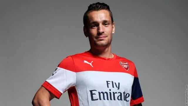 Mathieu Debuchy rejoint Arsenal