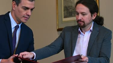Pablo Iglesias et Pedro Sanchez.