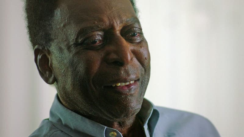"""Covid-19: Pelé a été vacciné, """"un jour inoubliable"""" pour lui"""