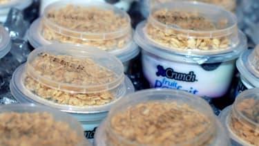 """La marque YoCrunch vend des yaourts avec """"toppings"""", des garnitures sucrées ou croustillantes."""