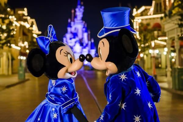 Les nouveaux costumes de Mickey et Minnie pour le 25ème anniversaire