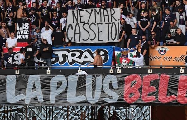 Les Ultras du PSG n'ont pas caché leur dégoût de Neymar et de son attitude