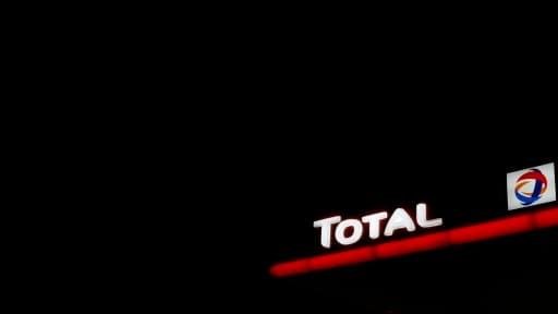 Total n'attend pas la France pour peaufiner ses techniques d'extraction de gaz de schiste, et multiplie les projets hors du pays.