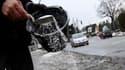 Selon le secrétaire d'Etat aux Transports, Thierry Mariani, les réserves en sel des directions des routes sont actuellement suffisantes pour faire face à la nouvelle offensive du froid et de la neige à partir de jeudi en France. /Photo d'archives/REUTERS/