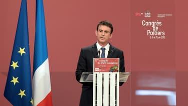 Manuel Valls ne compte pas revoir la copie
